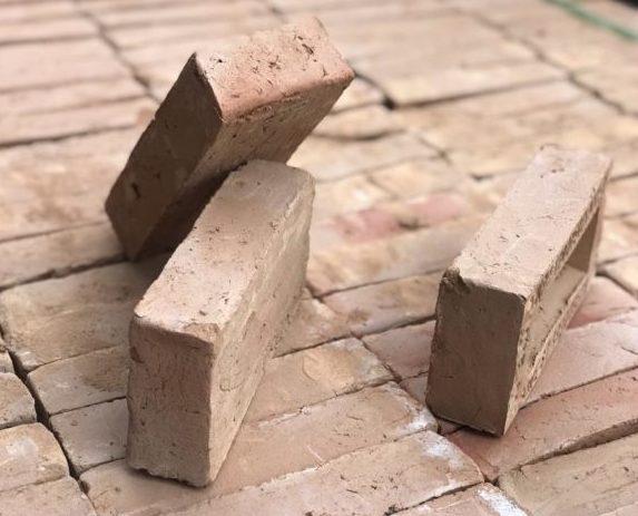 tijolo maquinado